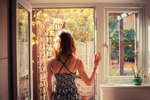 Trucos para enfriar la casa sin aire acondicionado La